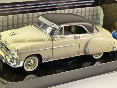 1950 CHEVROLET BEL AIR in Yellow - 1/24 scale model by MotorMax