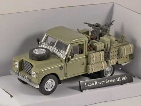 LAND ROVER S3 109 MILITARY 1/43 scale model by Cararama