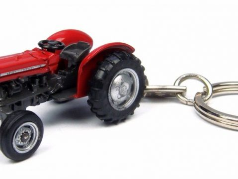 MASSEY FERGUSON 135 Tractor keyring by Universal Hobbies