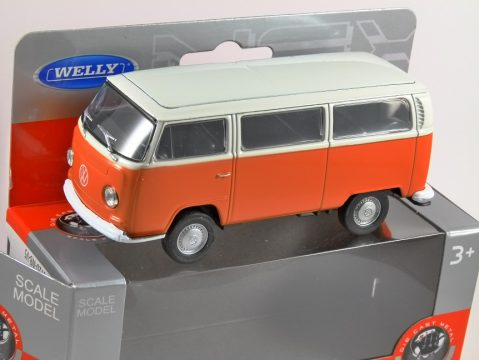 1972 VOLKSWAGEN T2 BUS in Orange 1/38 scale model by WELLY