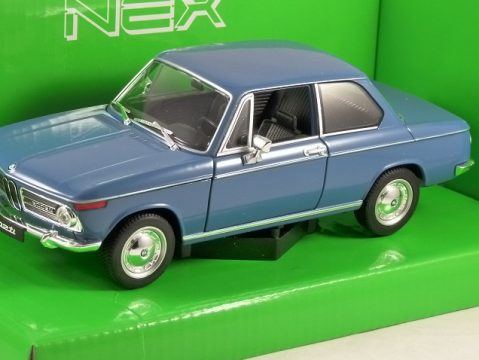 BMW 2002 Ti in Blue 1/24 scale model by WELLY
