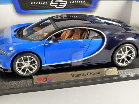 BUGATTI CHIRON in Blue 1/18 scale model by MAISTO