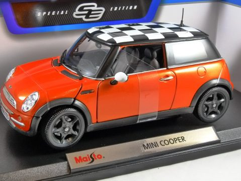 MINI COOPER in Orange 1/18 scale model by MAISTO
