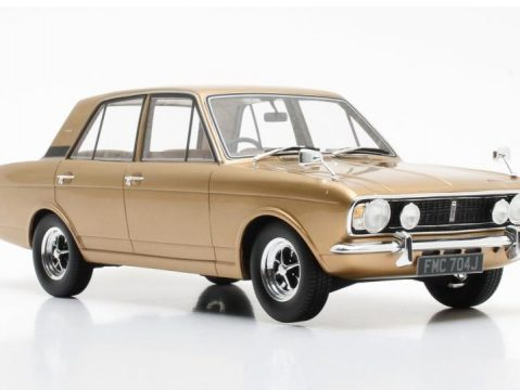 1970 FORD CORTINA Mk2 1600E in Gold Metallic 1/18 scale model by Cult Scale Models