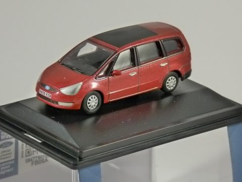 FORD GALAXY in Red 1/76 scale model OXFORD DIECAST