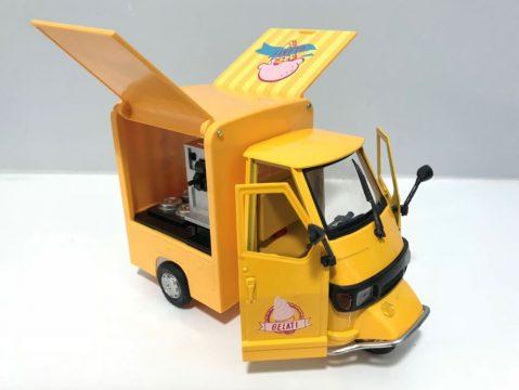 PIAGGIO APE Ice Cream Van – 1/18 scale model by New Ray