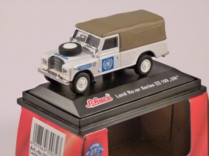 Schuco LAND ROVER S3 109 - UN - 1/72 scale model