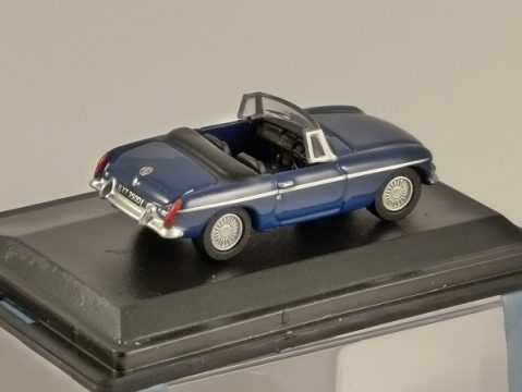 MGB ROADSTER in Blue 1/76 scale model OXFORD DIECAST