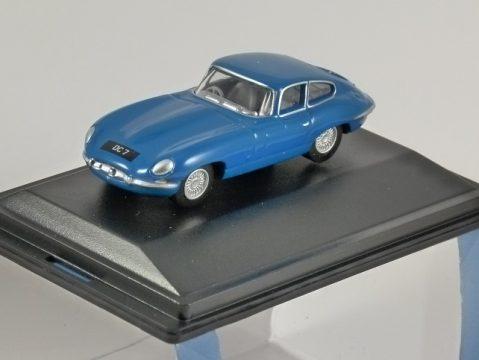 JAGUAR E TYPE COUPE in Bluebird Blue 1/76 scale model OXFORD DIECAST