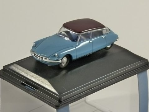 CITROEN DS 19 in Blue 1/76 scale model OXFORD DIECAST