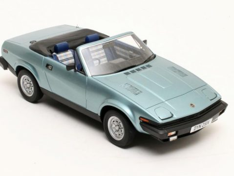 1980 TRIUMPH TR7 DHC in Blue 1/18 scale resin model by Cult Scale Models
