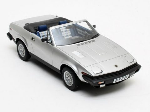 1980 TRIUMPH TR7 DHC in Silver 1/18 scale resin model by Cult Scale Models