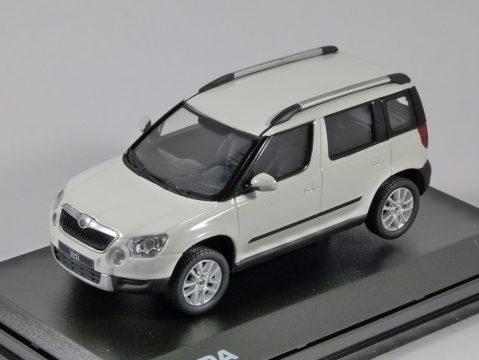 SKODA YETI in White Candy 1/43 scale model ABREX