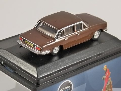 TRIUMPH 2500 in Russet Brown 1/76 scale model OXFORD DIECAST