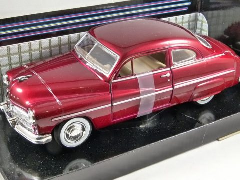 1949 MERCURY COUPE in Red - 1/24 scale model by MotorMax