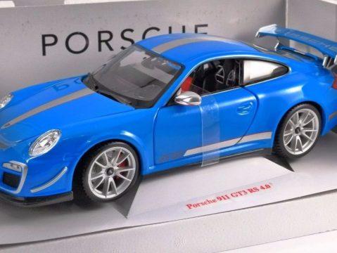 PORSCHE 911 GT3 RS 4.0 in Blue 1/18 scale model BURAGO