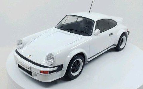 1982 PORSCHE 911 Race Version Plain White 1/18 scale model by IXO