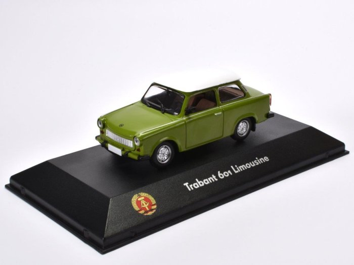 TRABANT 601 LIMOUSINE in Green - 1/43 scale model - DDR Auto Kollection