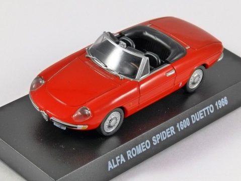 1966 ALFA ROMEO SPIDER 1600 DUETTO in Red 1/43 scale model