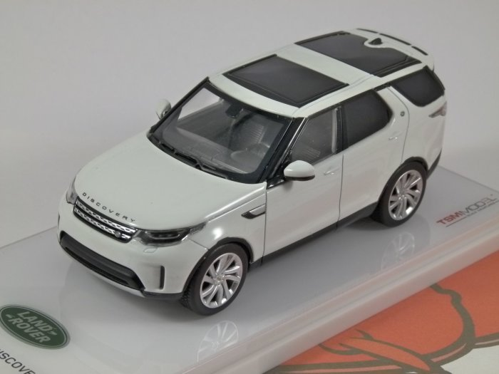 LAND ROVER DISCOVERY in Fuji White 1/43 scale model by Truescale