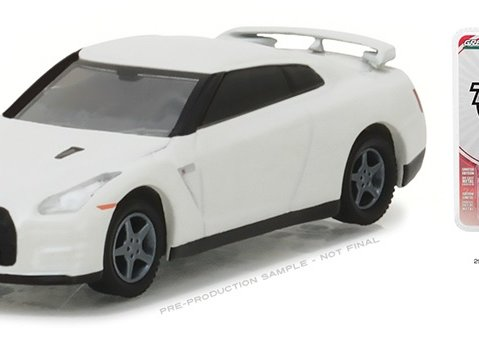 2014 NISSAN GT-R R35 in White - 1/64 scale model GREENLIGHT