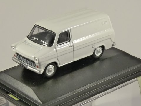 FORD TRANSIT Mk1 in White 1/76 scale model OXFORD DIECAST
