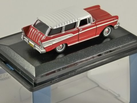 1957 CHEVROLET NOMAD in Red / White 1/87 scale model OXFORD DIECAST