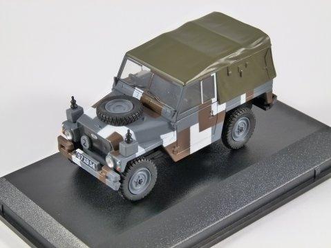 LAND ROVER Lightweight Canvas Berlin Scheme 1/43 scale model Oxford Diecast