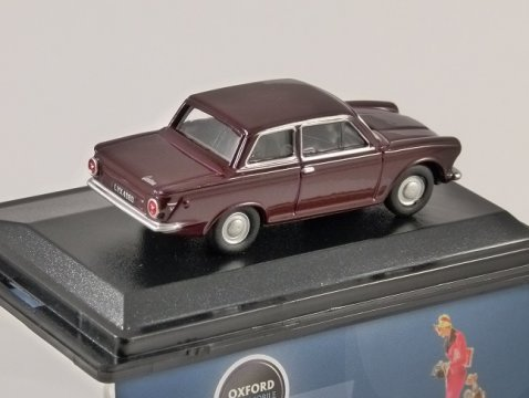 FORD CORTINA Mk1 in Black Cherry 1/76 scale model OXFORD DIECAST