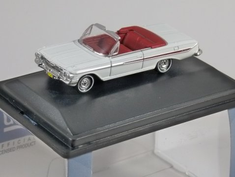 1961 CHEVROLET IMPALA CONVERTIBLE in White 1/87 scale model OXFORD DIECAST