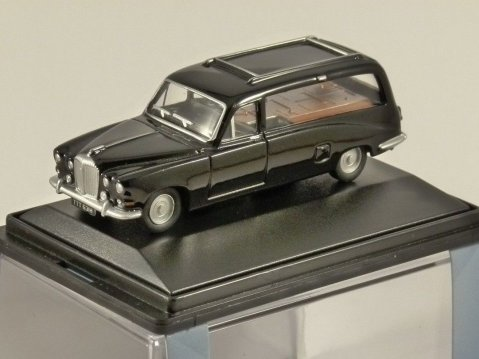 DAIMLER DS420 HEARSE in Black - 1/76 scale model OXFORD DIECAST