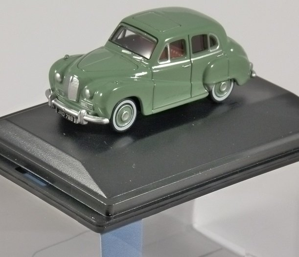 AUSTIN SOMERSET in Green 1/76 scale model OXFORD DIECAST
