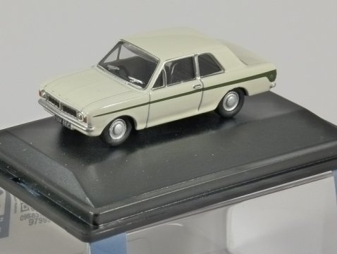 FORD LOTUS CORTINA Mk2 in White 1/76 scale model OXFORD DIECAST