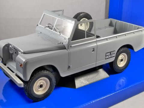LAND ROVER 109 Series 2 Pickup in Grey 1/18 scale model by MCG