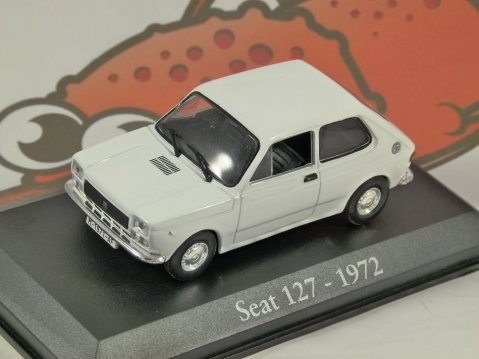 1972 SEAT 127 in White 1/43 scale diecast model car by RBA Collectables
