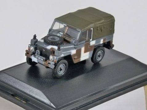 LAND ROVER 1/2 Ton Lightweight - Berlin Scheme 1/76 scale model OXFORD DIECAST
