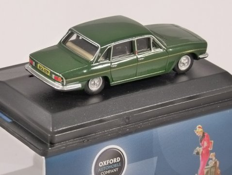 TRIUMPH 2500 in British Racing Green 1/76 scale model OXFORD DIECAST