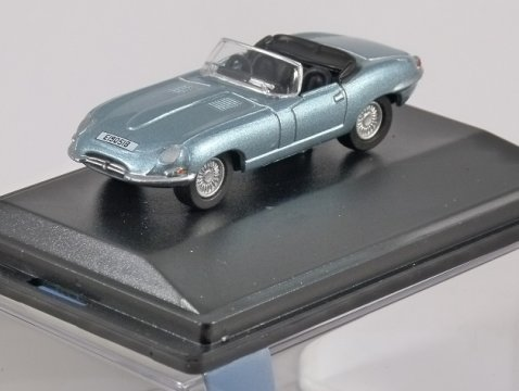 JAGUAR E TYPE in Silver Blue 1/76 scale model OXFORD DIECAST
