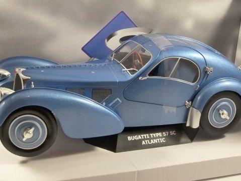 1938 BUGATTI TYPE 57 SC ATLANTIC in Blue 1/18 scale model by SOLIDO
