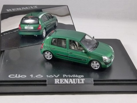 RENAULT CLIO 1.6 16V Privilege in Green 1/43 scale model by Norev