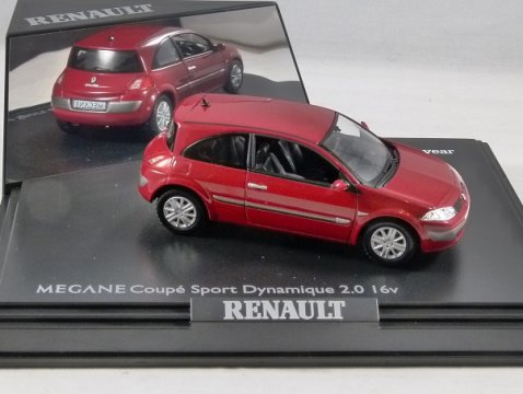 RENAULT MEGANE II COUPE SPORT DYNAMIQUE 2.0 16v in Red 1/43 scale model by Norev