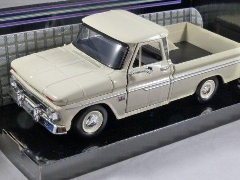 1966 CHEVROLET C10 FLEETSIDE PICKUP in Cream - 1/24 scale model by MotorMax