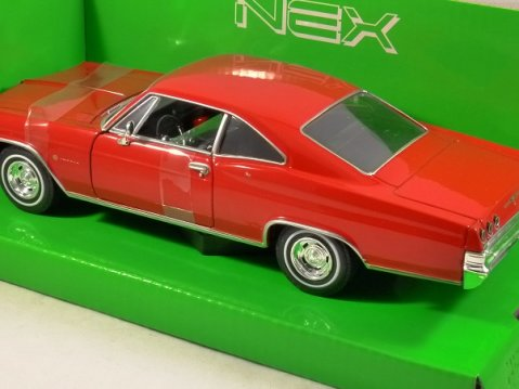 1965 CHEVROLET IMPALA SS 396 in Red 1/24 scale model by WELLY