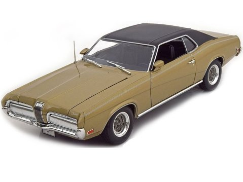 1970 MERCURY COUGAR XR7 in Gold 1/18 scale model by WELLY