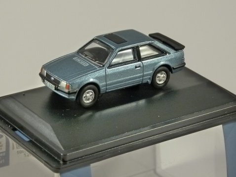 FORD ESCORT XR3i in Caspian Blue 1/76 scale model OXFORD DIECAST
