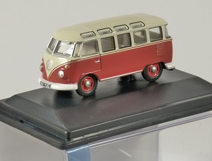 VOLKSWAGEN T1 CAMPER in Red / Grey - 1/76 scale model OXFORD DIECAST