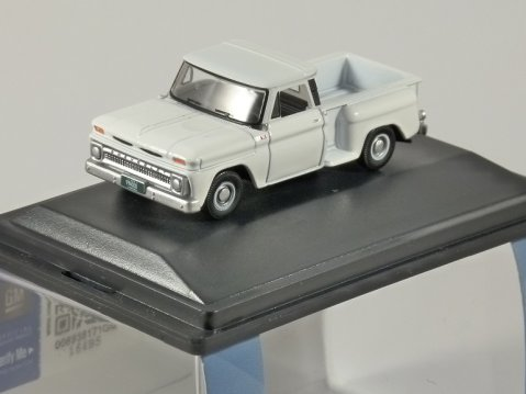 1965 CHEVROLET STEPSIDE PICKUP in White 1/87 scale model OXFORD DIECAST
