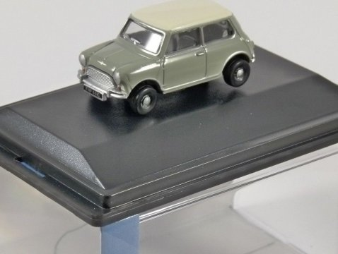 CLASSIC MINI in Tweed Grey / White 1/76 scale model OXFORD DIECAST