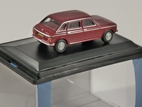 AUSTIN MAXI in Damask Red - 1/76 scale model OXFORD DIECAST