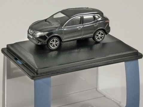 NISSAN QASHQAI J11 in Pearl Black - 1/76 scale model OXFORD DIECAST